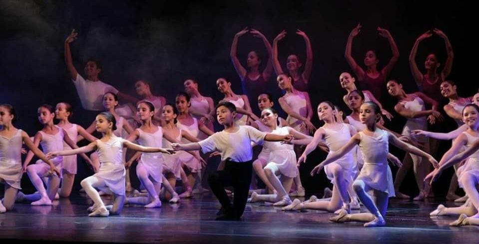 """Jóvenes de la Escuela Oficial de Ballet de la Provincia ofrece entradas gratuitas para las  funciones didácticas  y suite de ballet """"el cascanueces"""""""