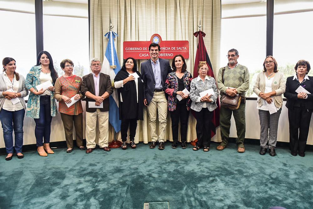Solo por 1 año un total de 12 organizaciones sociales recibirán el sueldo donado del gobernador salteño