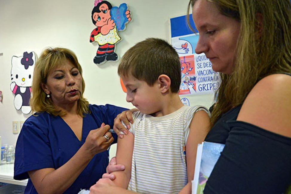 Se debe cumplir con el calendario de vacunación antes del inicio de clases