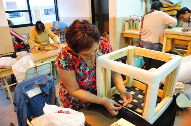 Inscripción para los talleres en la Escuela de Artes y Oficios