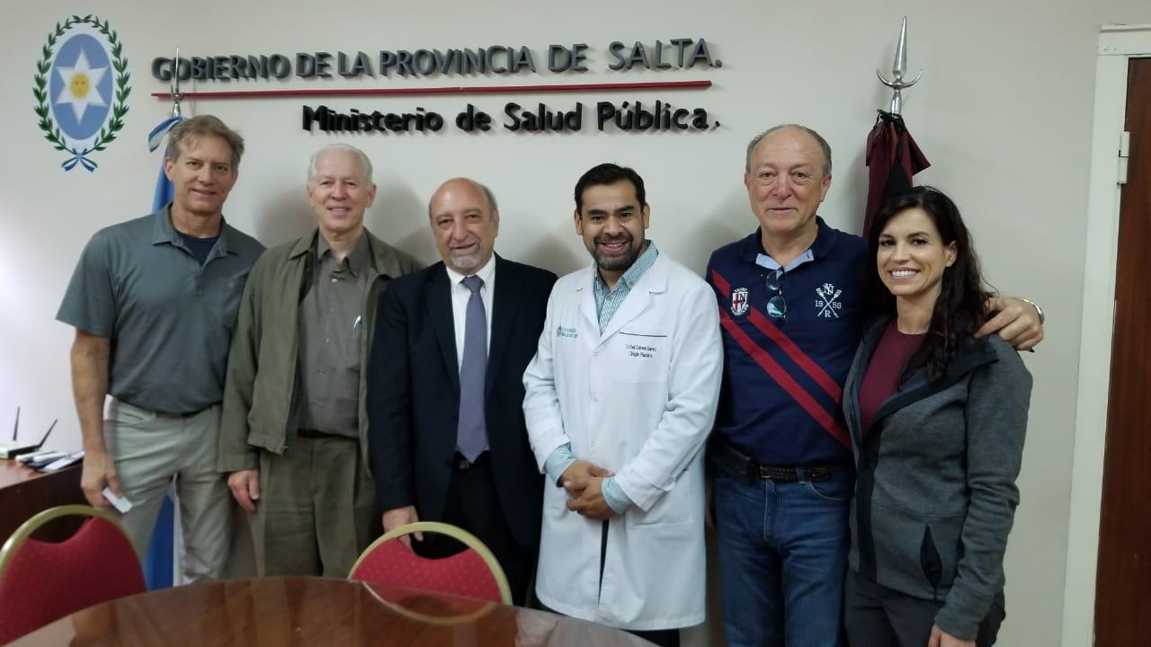 El HPMI recibió prótesis mamarias para pacientes oncológicos