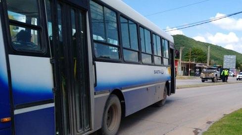 Queda suspendido el transporte urbano de pasajeros