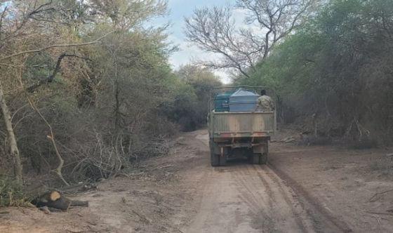 Continúa en Rivadavia la distribución de agua segura