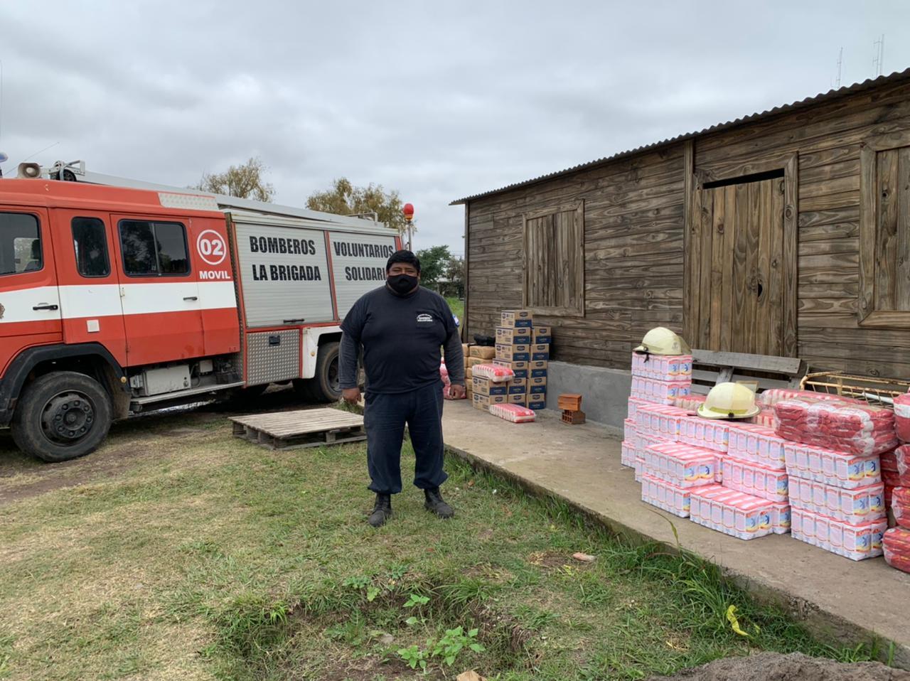 Bomberos Brigada Solidaria recibió una tonelada de alimento de Lotería de Salta y Telekino