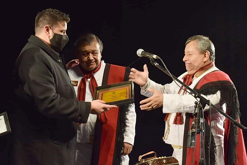 Se reconoció la trayectoria del conjunto folclórico las voces de orán