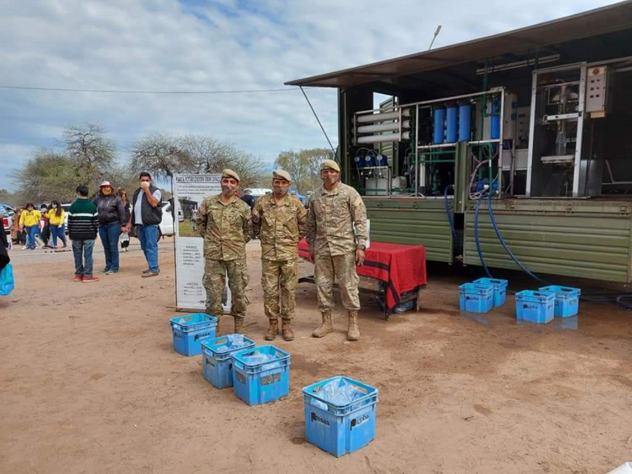 El Comando De La 5ta Brigada De Montaña del Ejército Argentino brindó agua durante la Beatificación de Fray Mamerto