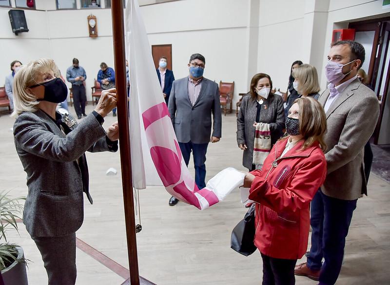 La bandera de la Paz flamea en el Concejo Deliberante de Salta