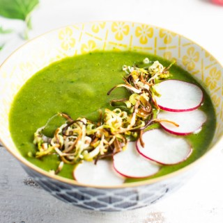 Healthy Glow Green Soup with Crispy Leeks