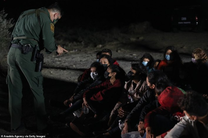 Law enforcement registers a group of migrants from Honduras,Guatemala and El Salvador Wednesday
