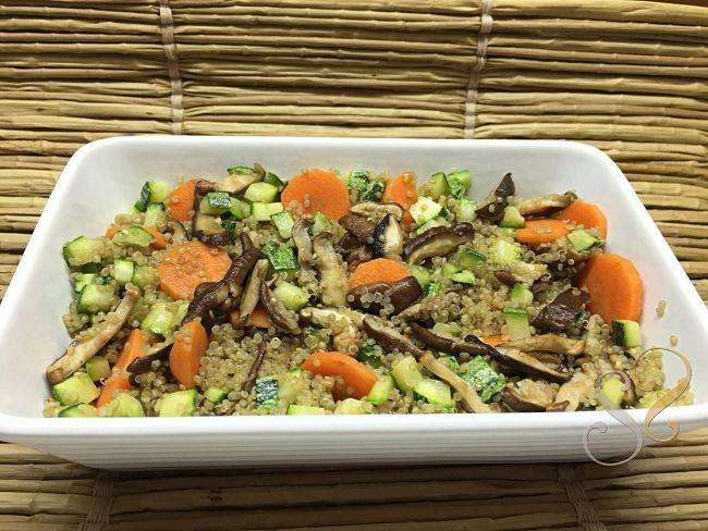 Quinoa com shitake, cenoura e abobrinha…