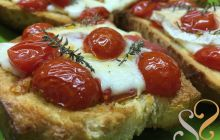 Bruschetta com tomates cereja e brie…