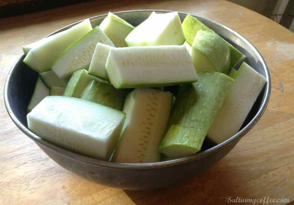 freezing-shredded-zucchini-bowl-of-zucchini