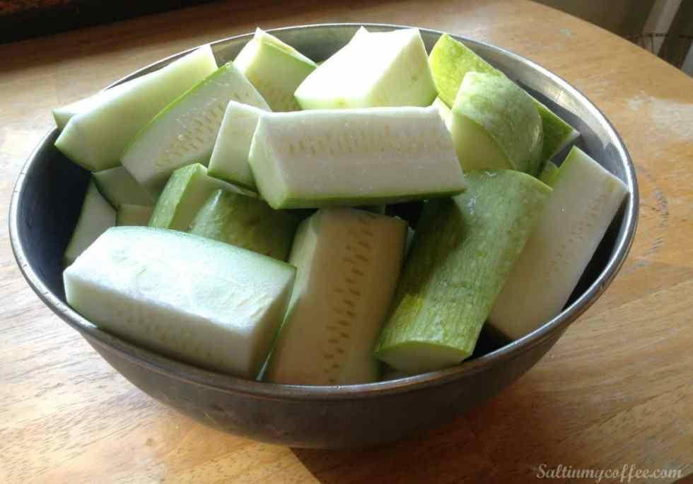freezing-shredded-zucchini-bowl-of-zucchini