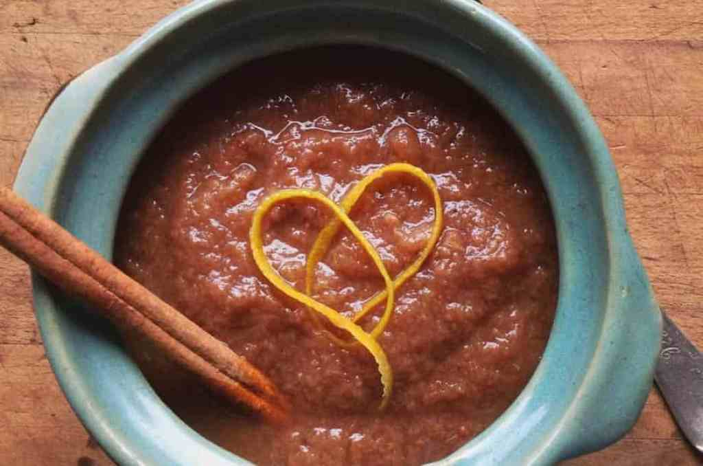 recipe: slow cooker spiced pear sauce [13]