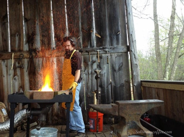 how to build a blacksmith forge at home