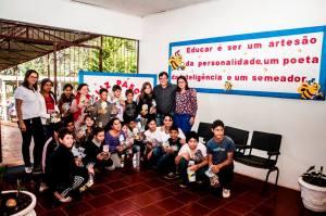 PÁSCOA-6-300x199 PÁSCOA: Administração Municipal entrega doces aos alunos da rede municipal de ensino
