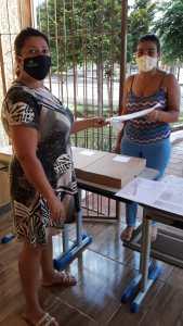 materiais-2-169x300 Alunos do município receberam atividades escolares