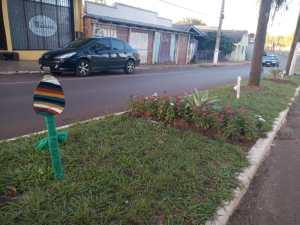 Enfeite-1-300x225 Enfeites de Páscoa alegram as ruas