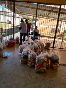 kit-sig-6-225x300 Escola Siegfried Heuser-Alunos da rede municipal recebem kit alimentação escolar