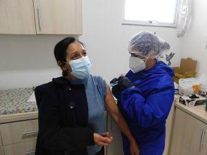 v4-300x225 Covid-19 Mais que vacinas, doses de esperança em dias melhores
