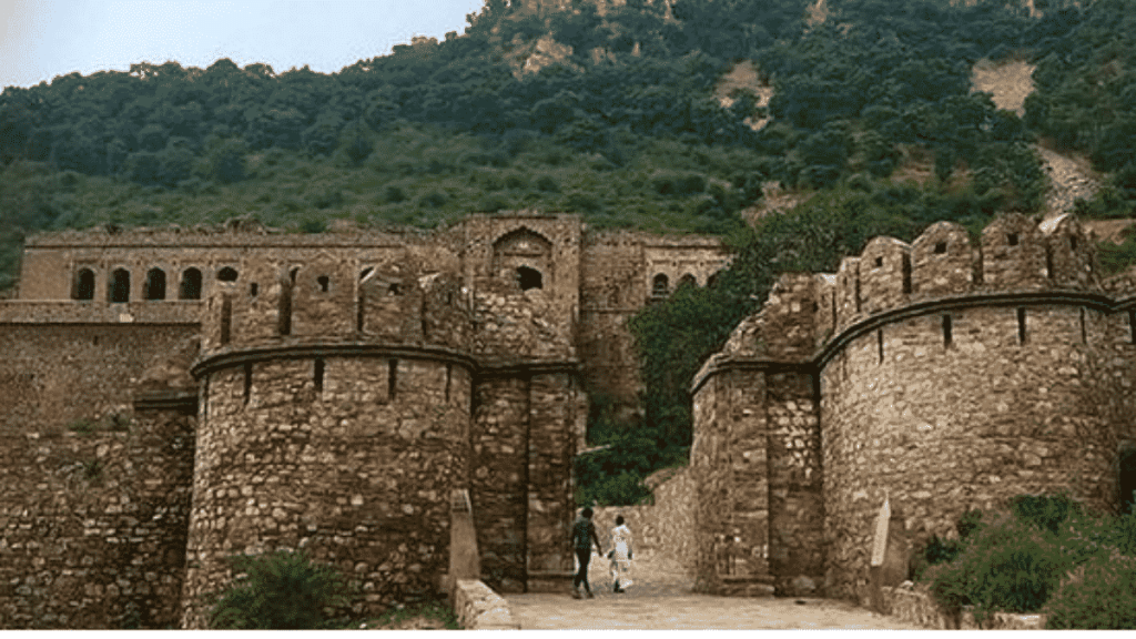 Haunted Places in India bangarh fort