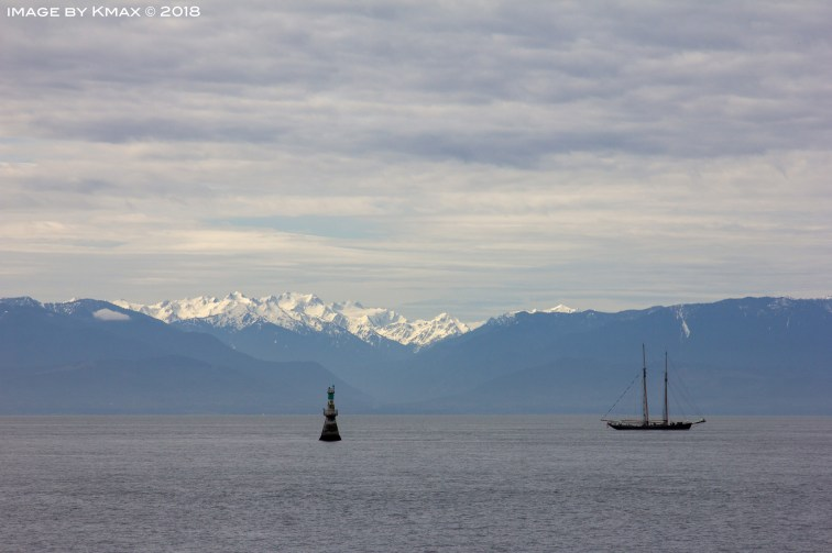 Cascade Mountains seen from Victoria, BC