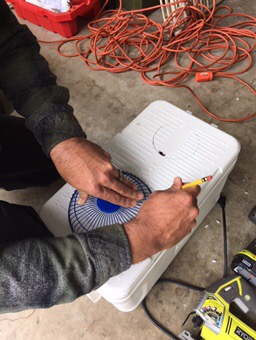 Tracing holes to cut in the diy travel Air conditioner