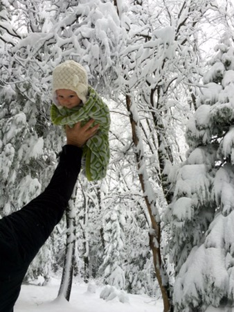 baby-in-the-snow