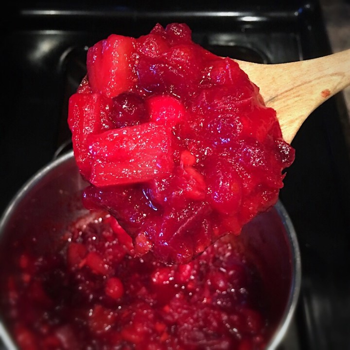 Homemade fresh cranberry sauce recipe