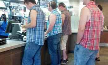 Texans celebrate second amendment with sleeveless shirts