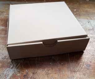 pizza-box-packaging-for-cloth-bag