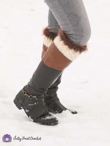 Find the free crochet pattern for these cute, boho inspired Fur Trimmed Boot Cuffs at SaltyPearlCrochet.com!