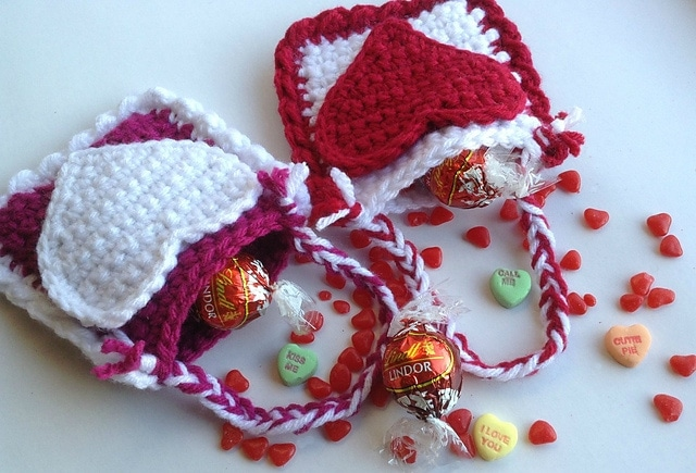 Part of a Pattern Collection of Free Crochet Patterns for Valentines Day on SaltyPearlCrochet.com.