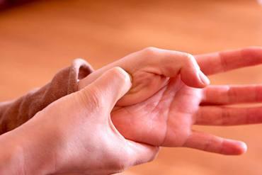 Masaje circulatorio para activar la circulación sanguínea y linfática