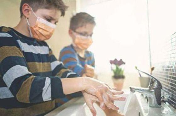 Cómo ayudar a los niños a afrontar la pandemia de la COVID-19