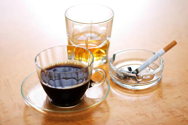 café, tabaco y alochol