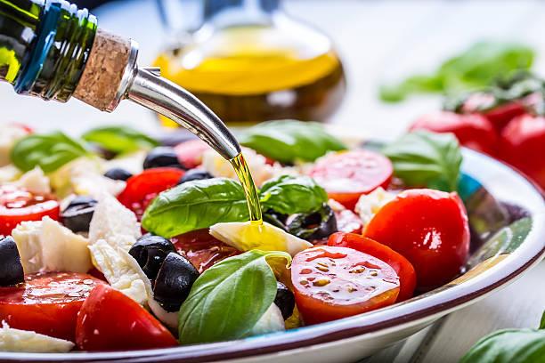 ensalada con aceite de oliva virgen extra