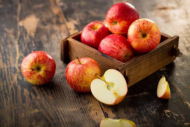 por qué comer una manzana al día