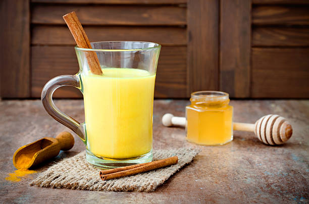 té con cúrcuma y miel