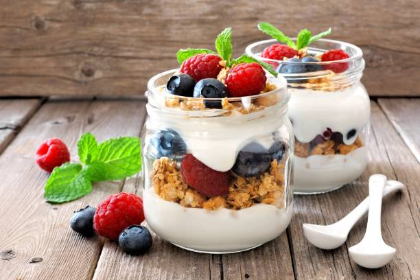 yogur con frutos y cereales