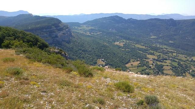 Альпы: 3000 м³ камня обрушилось на жилые дома Верхнего Прованса