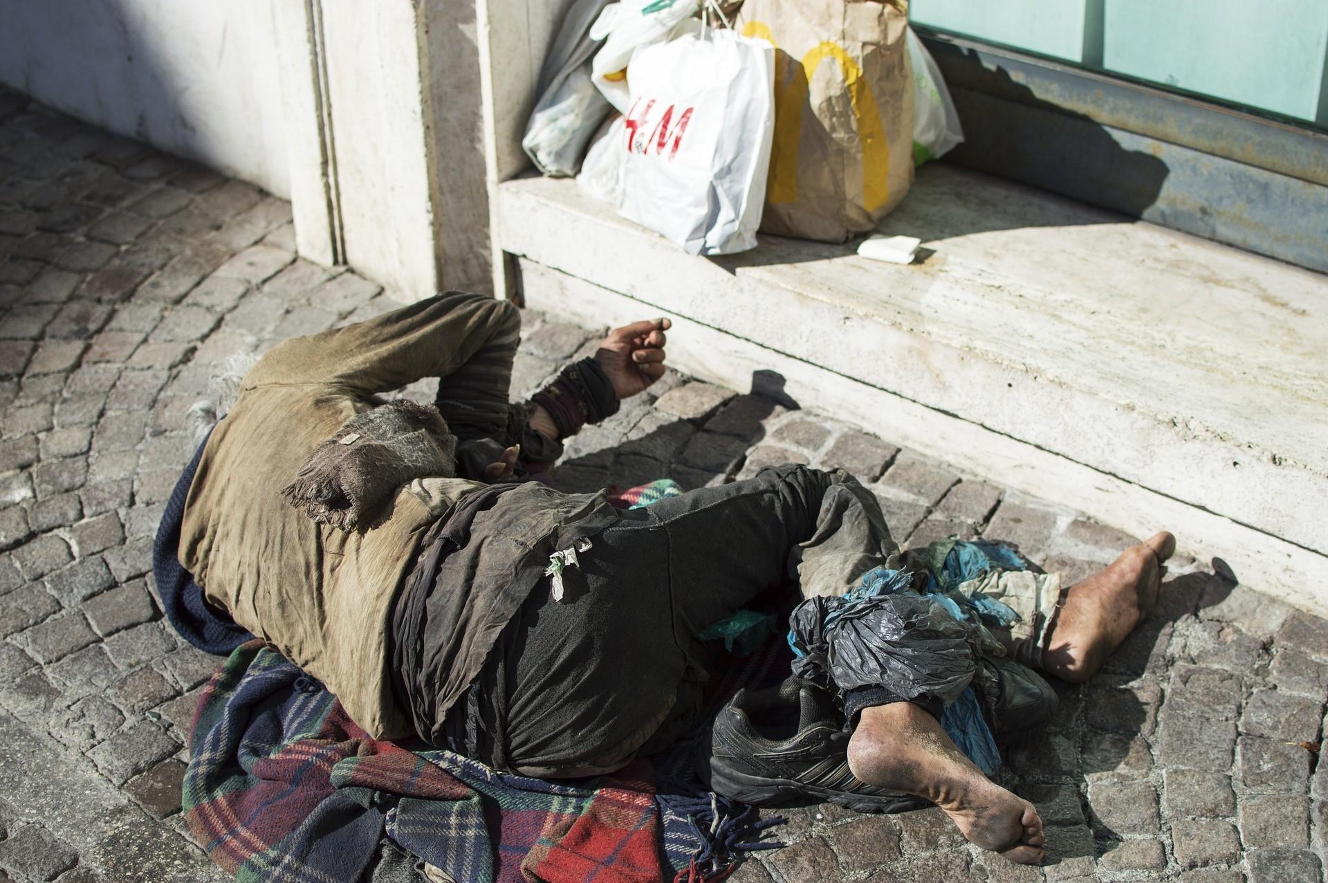 Коронавирус: 15 миллионов евро в ваучерах получат бездомные.
