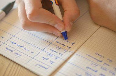 Коронавирус: во Франции закрыты «сотня классов» и 22 школы.