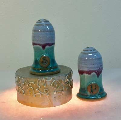 salt and pepper pottery