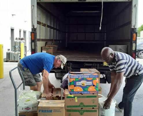 covid relief food truck volunteers