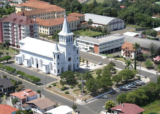 Salvatorianos recebem nome de rua em Videira
