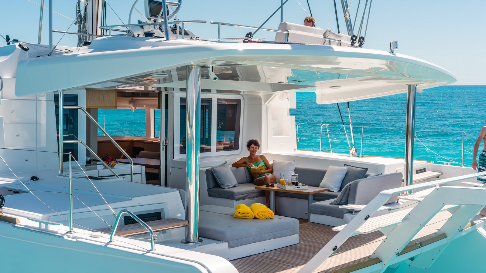Catamaran 52 Ft Luxurious Yachts For Sale Charter Service