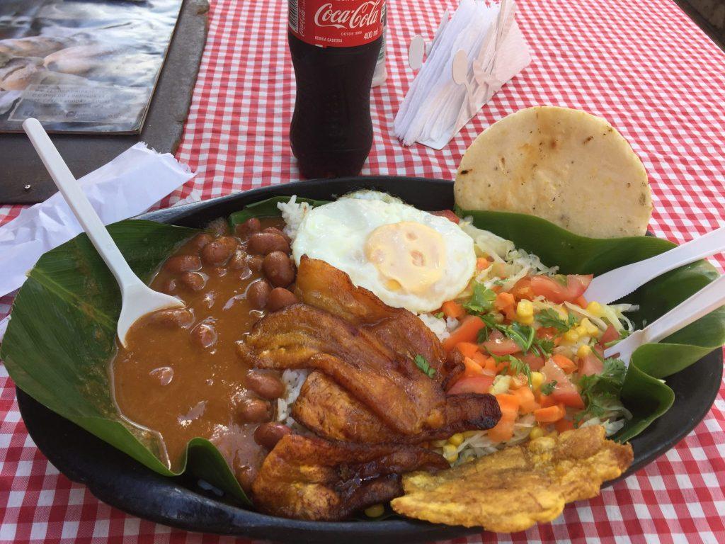 Veggie Mittag im Pueblo Paisa