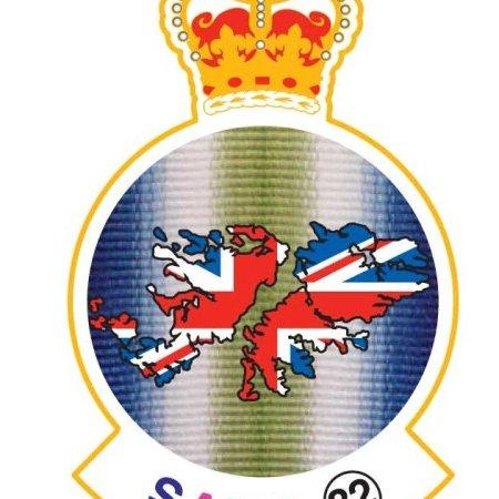 shop - SAMA 82 Gold Lapel Badge.