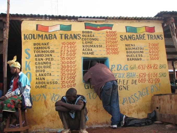 Gare routière de Sikasso au petit matin